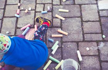 How do young children understand the contextual boundaries of rules?